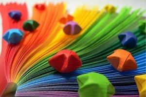 Цветные листочки со звездочками